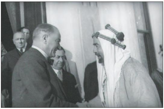 Atatürk, Ürdün Kralı Abdullah ile birlikte (1937)