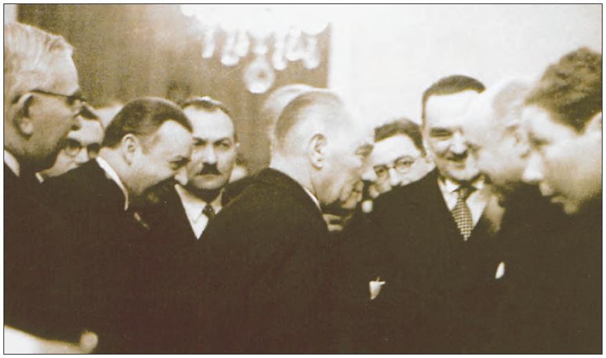 Atatürk, Balkan Antantı Konseyi üyeleri ile birlikte (1938)
