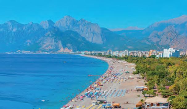 Görsel 2.26 Antalya bir turizm şehridir.