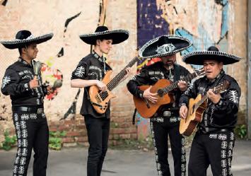 Görsel 3.13 Meksikalı müzisyenler