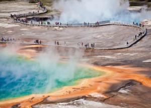 Görsel 3.32 Yellowstone Millî Parkı, dünyadaki ilk millî parktır (1872).